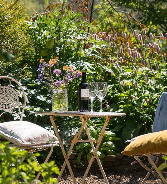 Immerse yourself in the garden