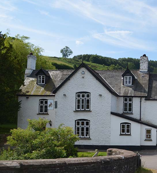 A former 17th century coaching inn on the banks of the River Monnow
